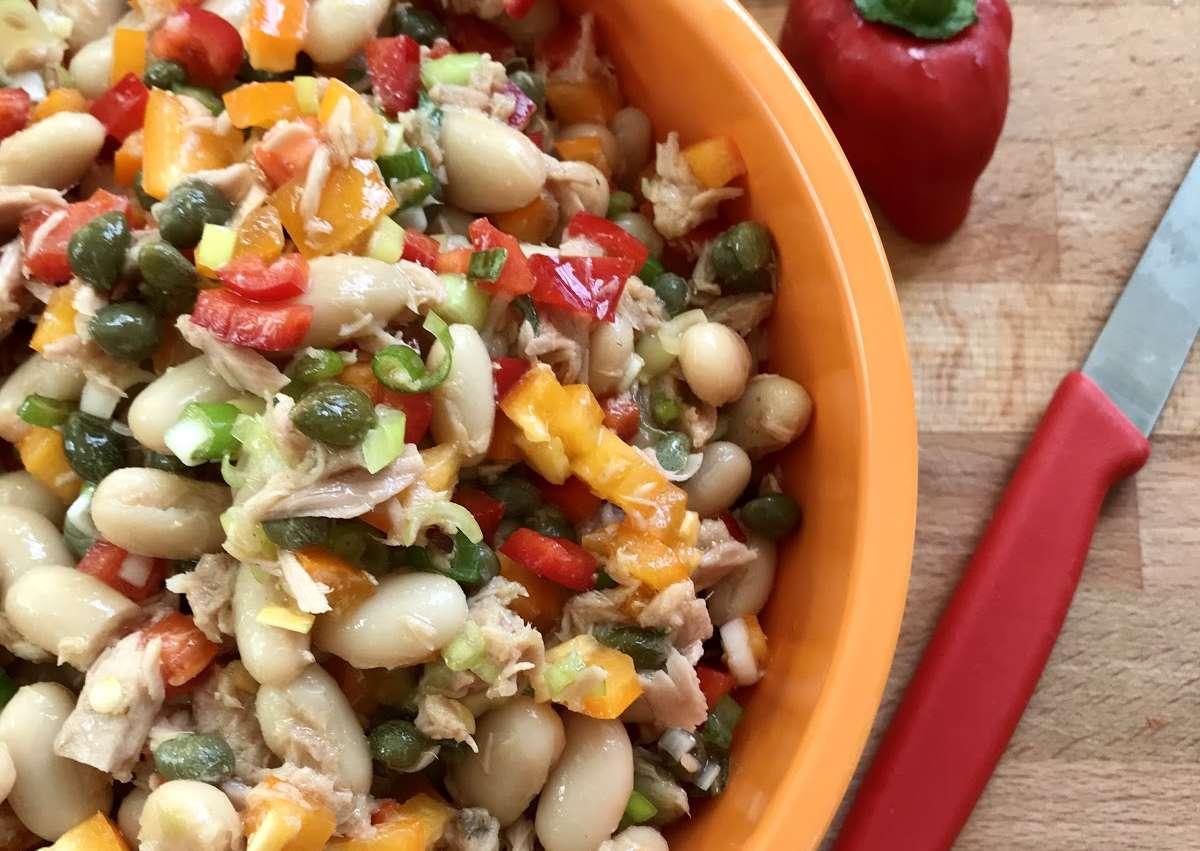 Salade de haricots au thon et câpres