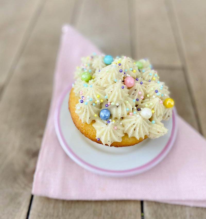 <i class='fas fa-user-lock' aria-hidden='true'></i> 12 cupcakes vanille