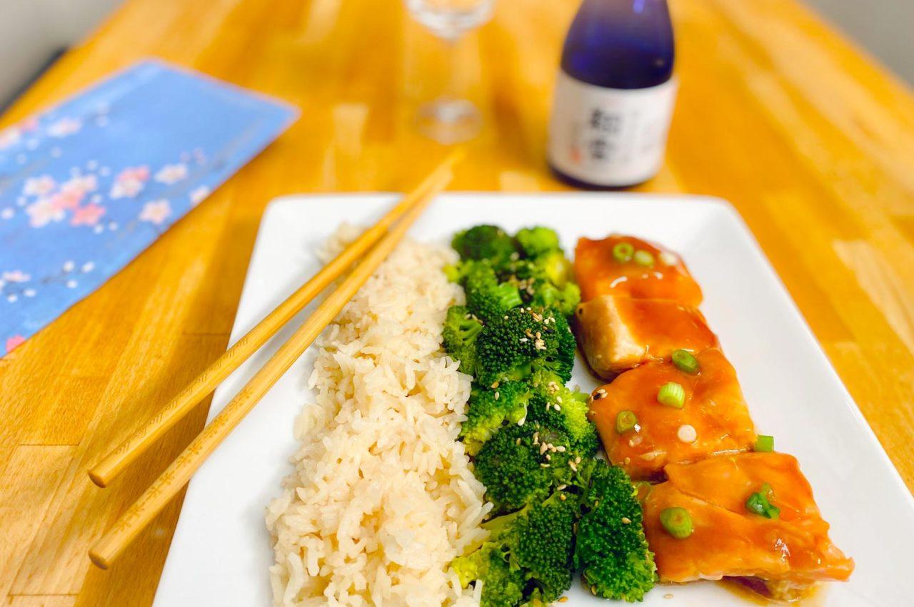 Tout-en-un : Saumon Teriyaki-érable, riz et brocoli vapeur