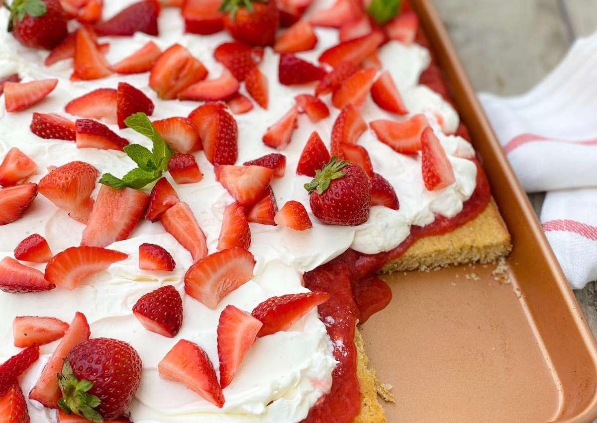 <i class='fas fa-user-lock' aria-hidden='true'></i> Carrés fraises style shortcake